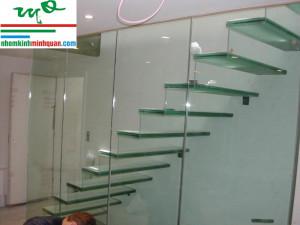 Cửa kính cường lực tại Thuận An