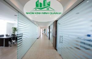 Thi Công Vách Ngăn Kính Văn Phòng tại Thuận An Bình Dương